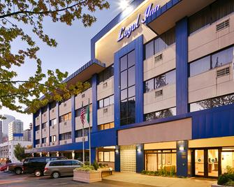 The Loyal Inn - Seattle - Building