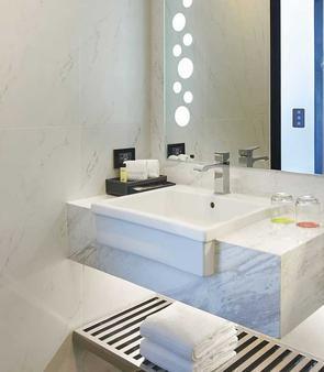 Amari Residences Pattaya - Pattaya - Bathroom