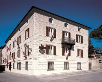 La Fenice Park Hotel - Massa Marittima - Gebouw