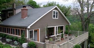 Ledge House Bed & Breakfast - Harpers Ferry - Building