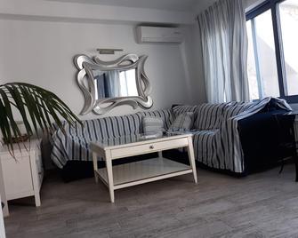 Odysseys House - Firostefani - Living room