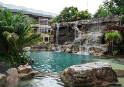 杰卡納亞馬遜療養度假酒店 - 帕拉馬里博 - 游泳池