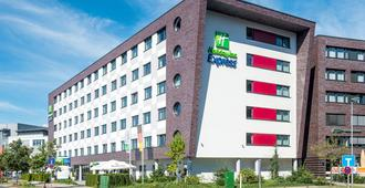 Holiday Inn Express Bremen Airport - Bremen - Toà nhà