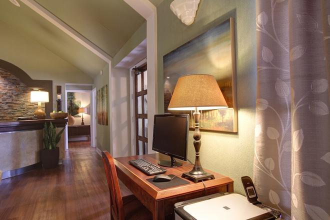 Habitat Suites - Austin - Khu vực làm việc