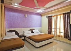 Hotel Disha Palace - Shirdi - Bedroom