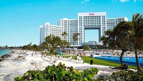 Riu Palace Peninsula - Cancún - Building