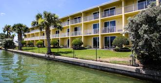 Treasure Bay Resort & Marina - Treasure Island - Building