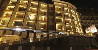 The Cedar Grand - Hotel & Spa - ชิมลา