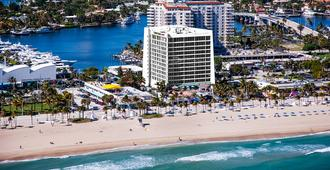 Courtyard by Marriott Fort Lauderdale Beach - Fort Lauderdale
