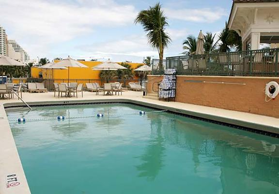 Courtyard by Marriott Fort Lauderdale Beach - Fort Lauderdale - Uima-allas
