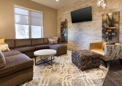 Drury Inn & Suites Louisville North - Louisville - Lobby