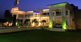 Grand Enclave - Lahore