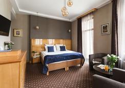 Ark Palace Hotel - Odessa - Bedroom