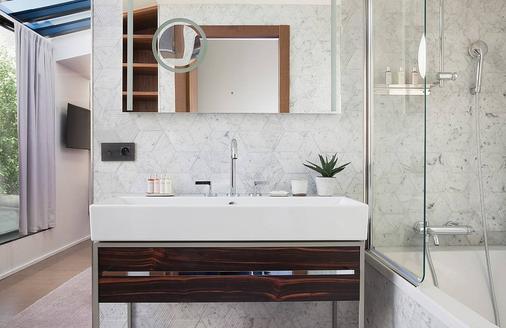 Maison Breguet - Paris - Bathroom