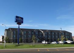 Microtel Inn & Suites by Wyndham Dickinson - Dickinson - Rakennus