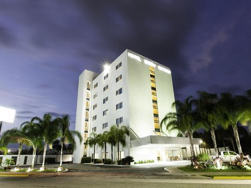 Mision Express Merida Altabrisa - Mérida - Toà nhà