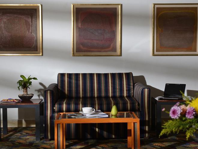 左拉羅莎米西翁快捷酒店 - 墨西哥城 - 墨西哥城 - 客廳