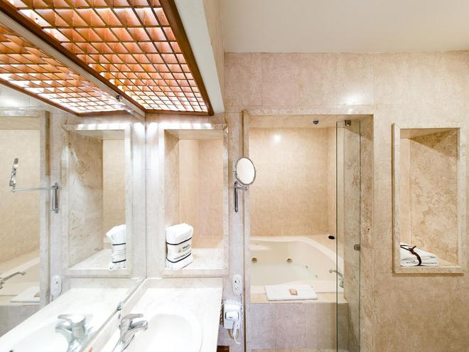 Mision Express Celaya - Celaya - Bathroom
