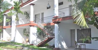 Misión Grand Cuernavaca - เควนาวากา - อาคาร