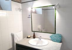 Ashavana Hostel - El Médano - Bathroom