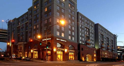 Residence Inn by Marriott Downtown/RiverPlace - Portland - Building