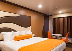 Redondo Pier Inn - Redondo Beach - Bedroom