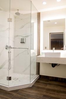 Hotel Xilo Glendale - Glendale - Kylpyhuone