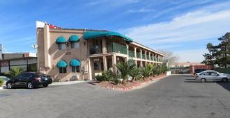 Crown Motel - Las Vegas - Building