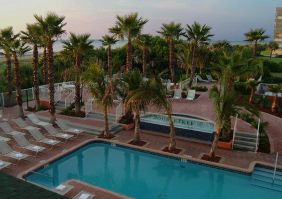 DoubleTree by Hilton Cocoa Beach Oceanfront - Cocoa Beach - Piscina