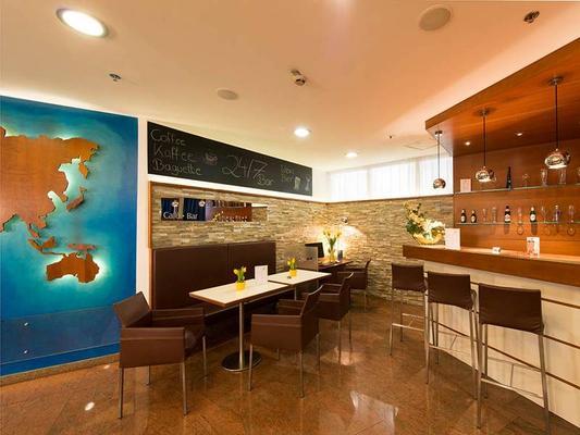arte Hotel Wien Stadthalle - Vienna - Bar