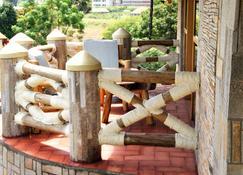 Baker's Fort Hotel - Gulu - Patio