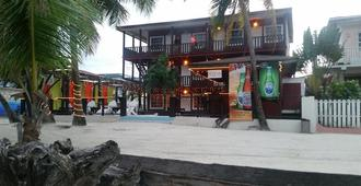 Ocean Tide Beach Resort - San Pedro Town