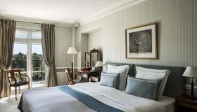 Hotel Brighton - Paris - Bedroom