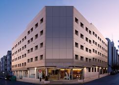 Hotel Port Feria Valencia - Valencia - Rakennus