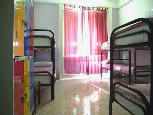 Hostel California - Mailand - Schlafzimmer