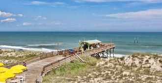 Golden Sands Motel - Carolina Beach - Beach