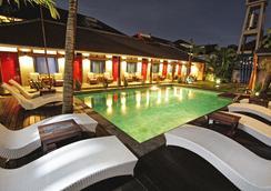 Kayun Hostel - Kuta - Bể bơi