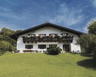 Berg Blick Hostel - Kochel - Building