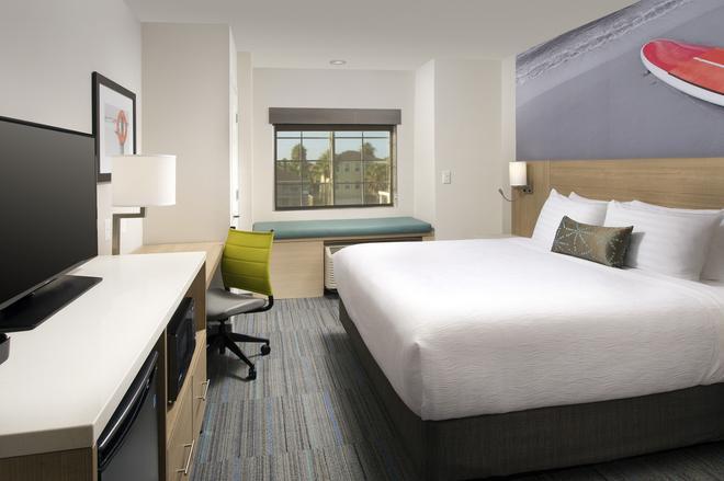 Best Western Beachside Inn - South Padre Island - Bedroom