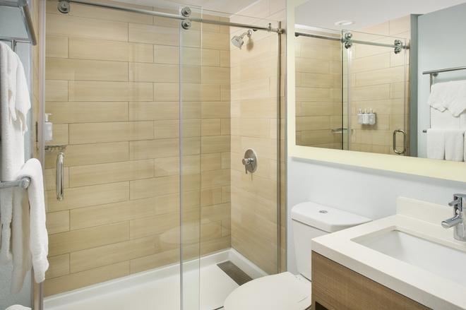 Best Western Beachside Inn - South Padre Island - Bathroom