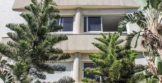 Beer Garden Hotel - Tel Aviv - Byggnad