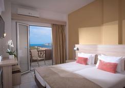 Blue Bay Resort Hotel - Agia Pelagia - Bedroom