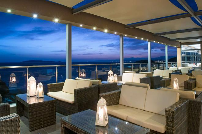 Blue Bay Resort Hotel - Agia Pelagia - Bar