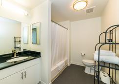 Ginosi Metropolitan Apartel - Los Angeles - Kylpyhuone