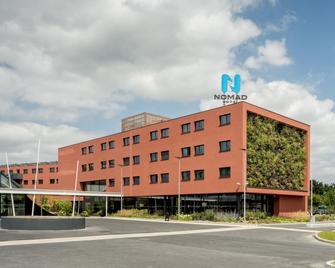 Nomad Hotel Roissy Cdg - Ле-Мені-Амело - Building