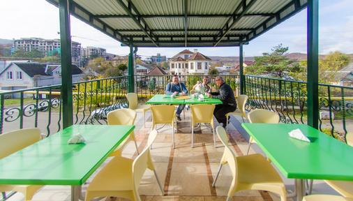 Jeli Guest House - Goryachiy Klyuch - Balcony