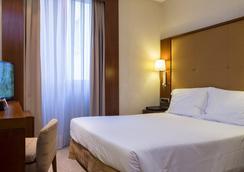 Dom Carlos Liberty Hotel - Lisbon - Bedroom