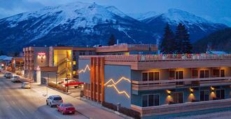 The Crimson Jasper - Jasper - Vista del exterior