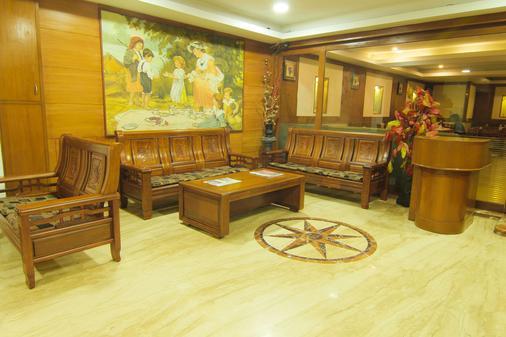 Maple Tree Hotels - Chennai - Lễ tân