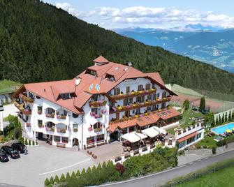 Granpanorama Wellness Hotel Sambergerhof - Villandro/Villanders - Будівля